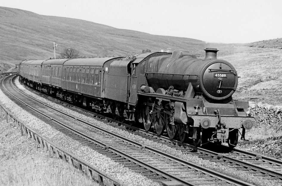 45589 Gwalior at Blea Moor, 12 April 1963