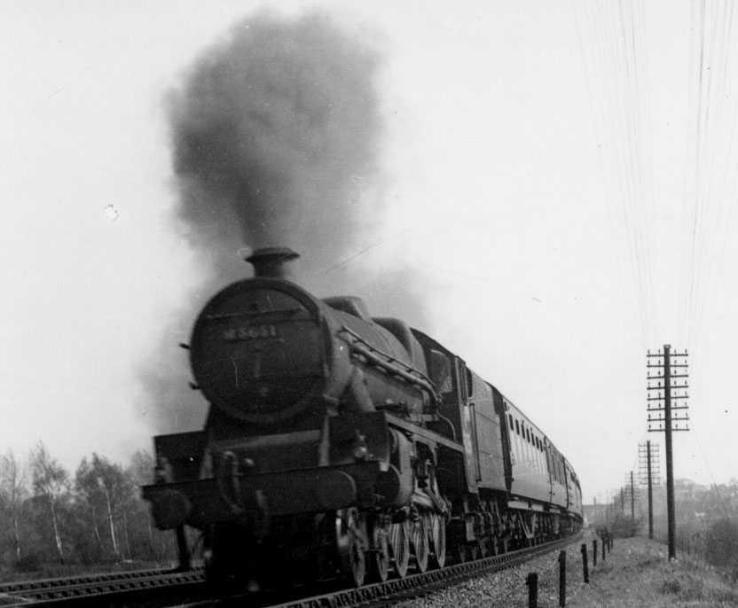 M5651 Shovell at Edgewaresbury on 16 April 1949