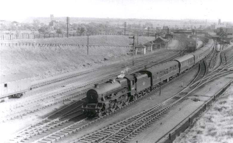 45654 Hood at Wellingborough on 14 May 1959
