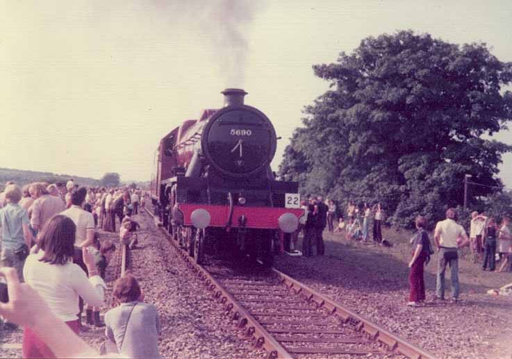 5690 Leander near Newton Aycliffe, in the Shildon Cavalcade of August 1975