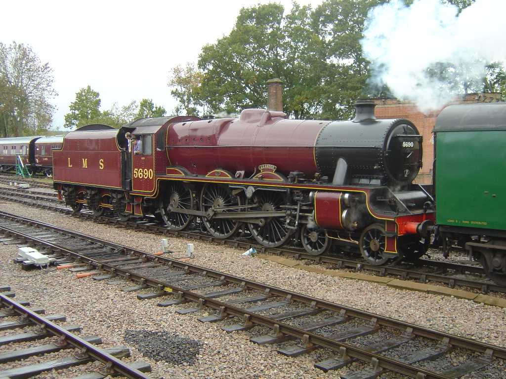 5690 Leander on the Bluebell Railway, 23 October 2004