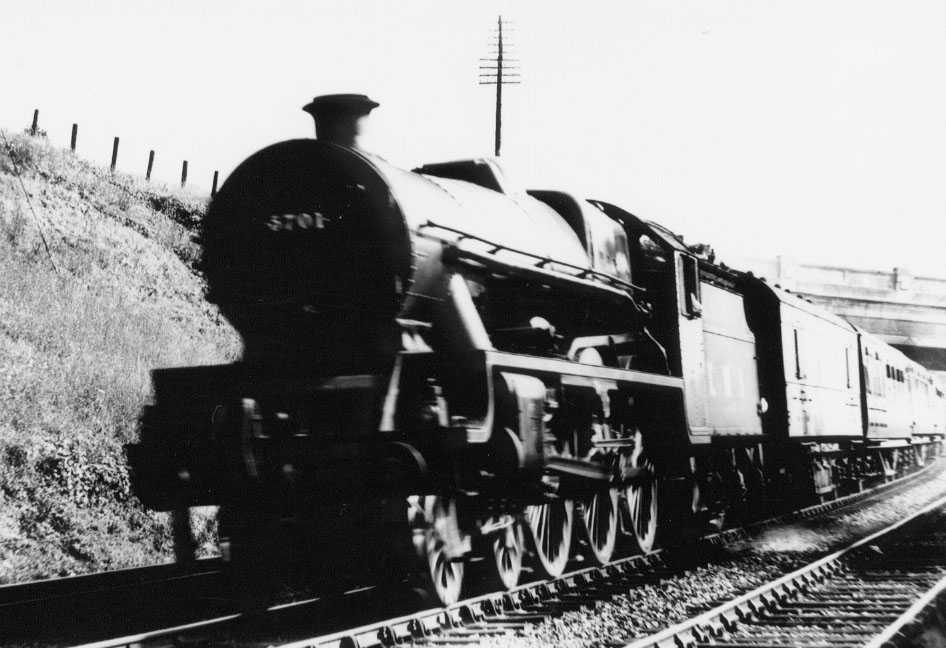 5701 Conqueror at Hest Bank in 1947