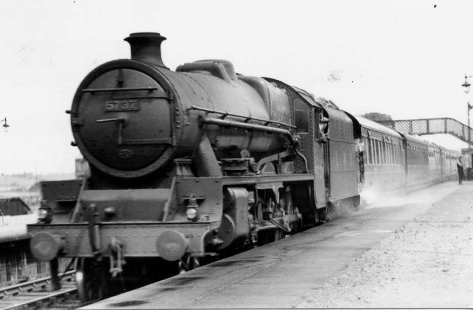 5737 Atlas at Hest Bank in 1937