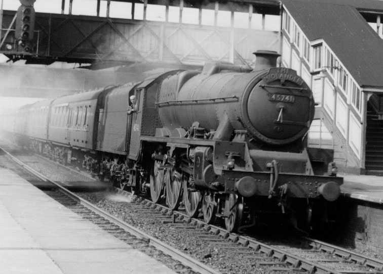 45741 Leinster at Willesden Junction